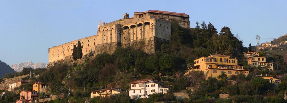 grantour-lunigiana-castello-malaspina
