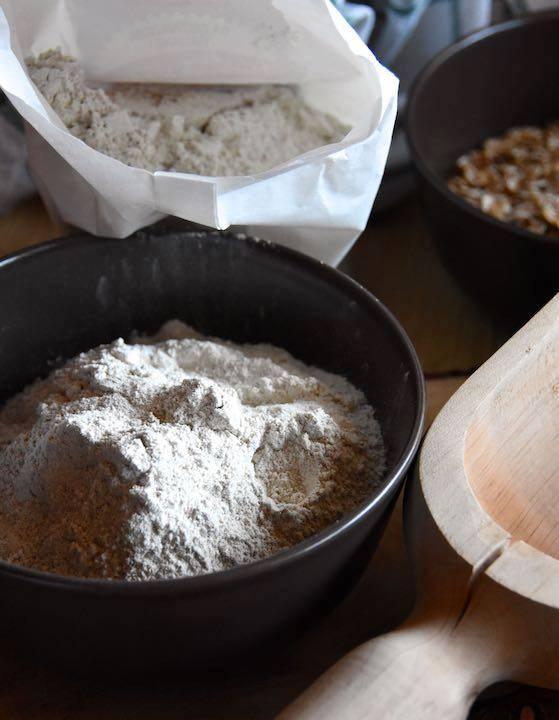 macinando la segale si ottiene una farina molto morbida e fine