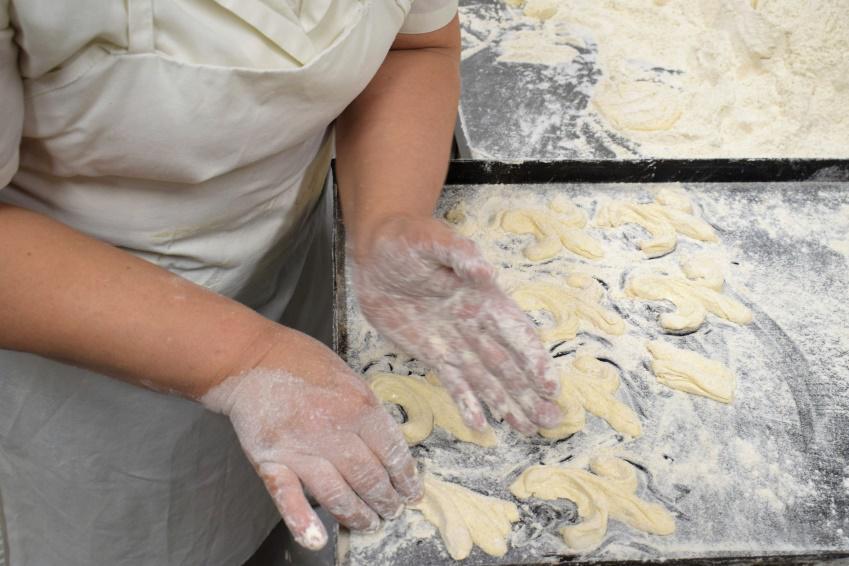 Il giglietto viene formato esclusivamente a mano