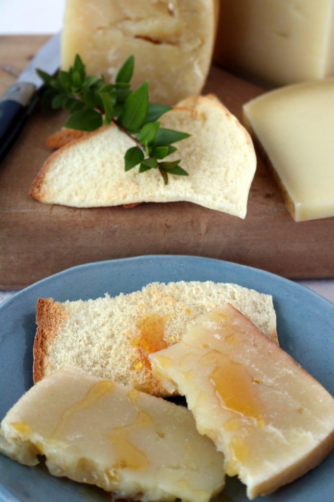 Pecorino e miele Sardegna