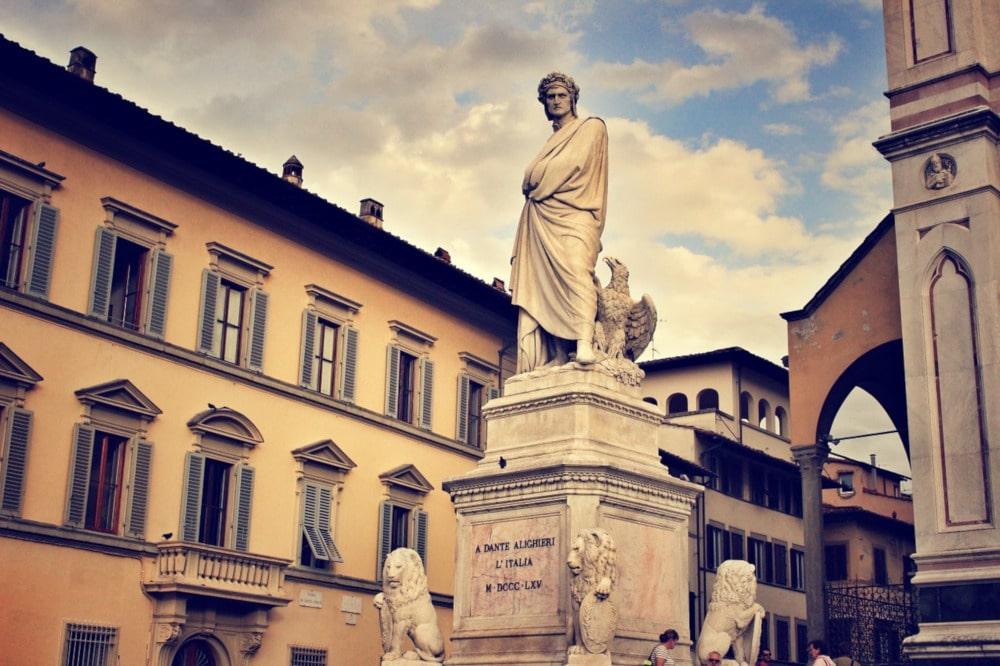 La statua di Dante a Firenze